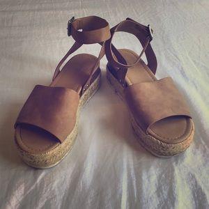 Soda Platform Ankle Strap Espadrille Sandals Tan 9